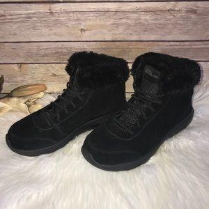 Skechers Goga Mat Black Fur Lined Boots Sz 6
